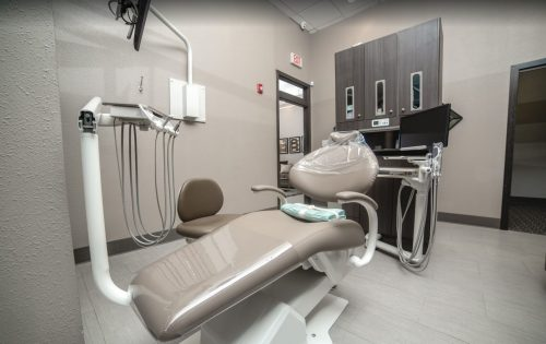 Dentist Chair - General Dentistry in Houston